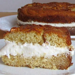 Bee Sting Cake Recipe - Bienenstich