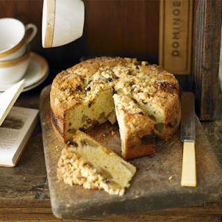 Pear & Mincemeat Crumble Cake.