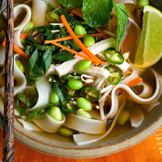 Vegan Phô With Carrots, Noodles and Edamame