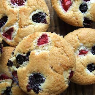 Strawberries and Blueberries Muffins - Vegan.