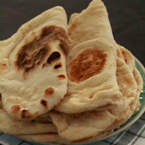 Fluffy Naans to Accompany a Super Fragrant Lentil Dhal