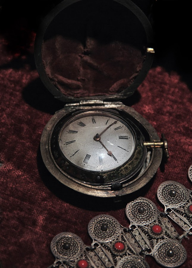 by Vladimir Jablanov - Artistic Objects Antiques