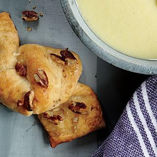 Honey-Pecan Bread Knots