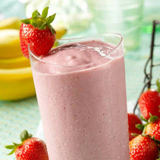 Strawberry, Banana & Almond Milk Smoothie.