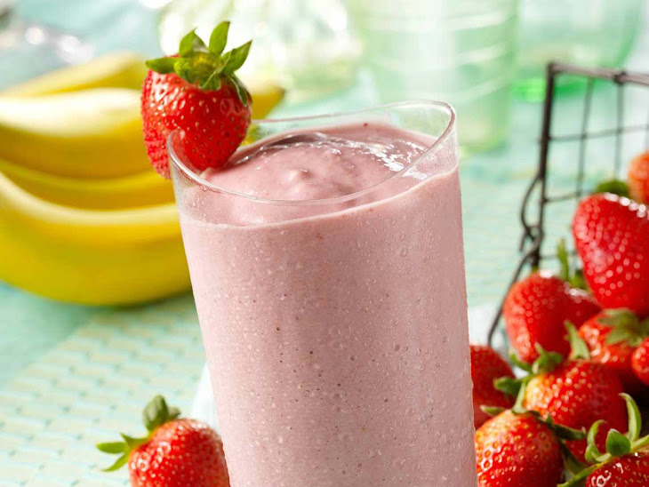 Strawberry, Banana & Almond Milk Smoothie Recipe