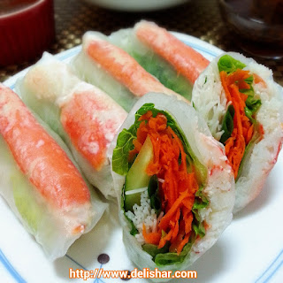 Snow Crab Rice Paper Roll with Peanut Dipping Sauce