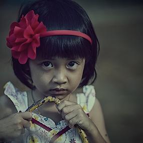 The Face by Kosmas Fikie Aryadi - Babies & Children Child Portraits ( child, indonesia, westkalimantan, portrait )
