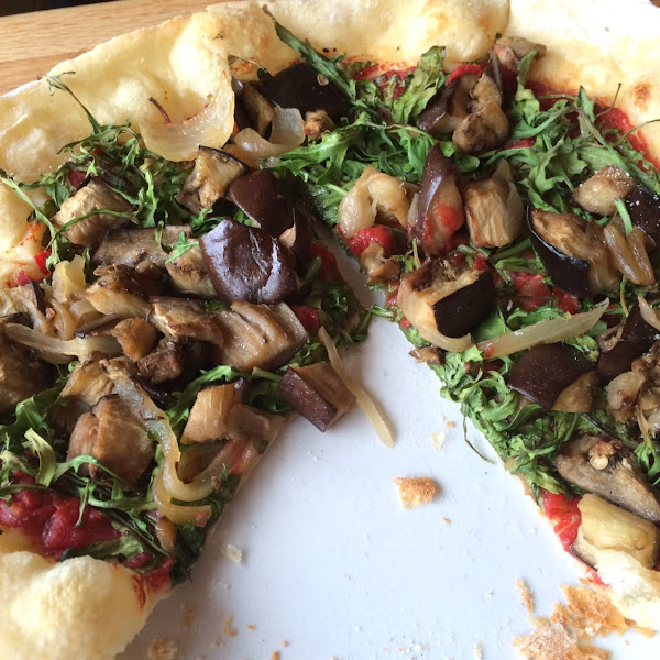 Veggie flat bread pizza