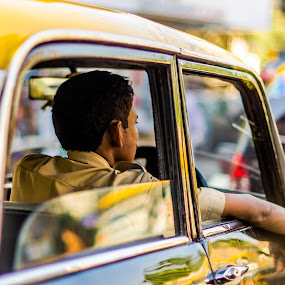 Patience by Franco Beccari - People Street & Candids ( car, mumbai, traffic, taxi, transport, patience, india, people, man, Urban, City, Lifestyle,  )