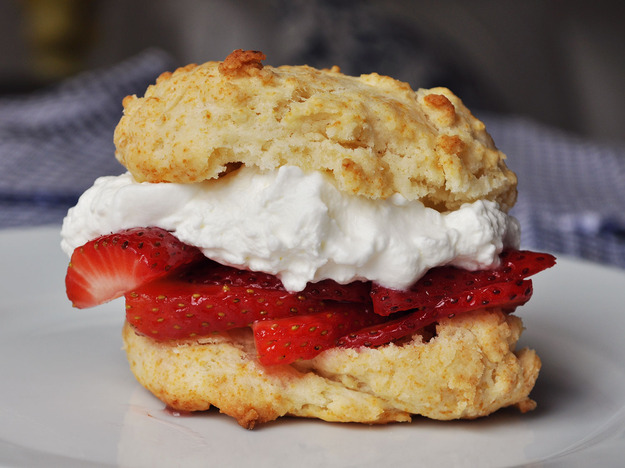 Best Quick and Easy Strawberry Shortcakes Recipe