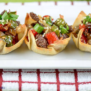 Pepper Steaks in Wonton Cups #SundaySupper.