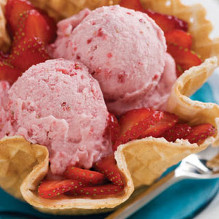 Vanilla Ice Cream with Fruit Blend Recipe