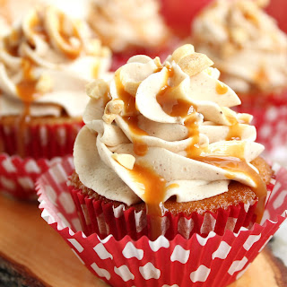 Caramel Apple Cupcakes with Cinnamon Buttercream