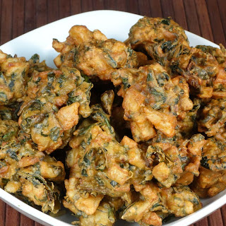 Spinach Potato (Aloo Palak) Pakora.