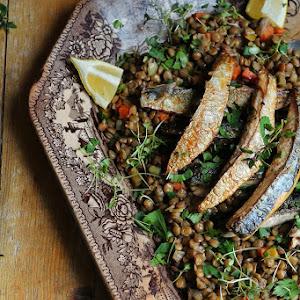 Stewed Lentils with Mackerel Fillets