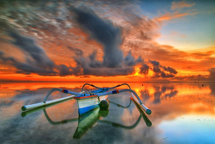 hello sunshine by I Made  Sukarnawan - Landscapes Cloud Formations ( sunset, boats, hot, sunrise, burning )