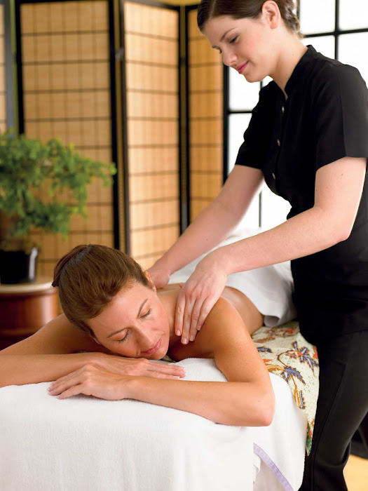 The Lotus Spa on Princess ships offers massages, facials, scrubs, body therapy, body wraps, Botox and acupuncture.