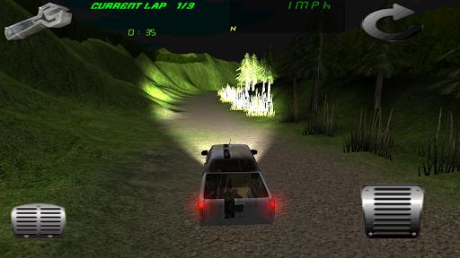 沙漠速度快的赛车四轮驱动
