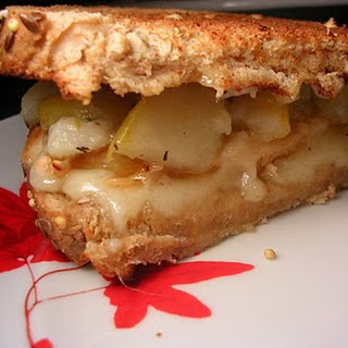 Chicken-Thyme-Pear-Brie Sandwich