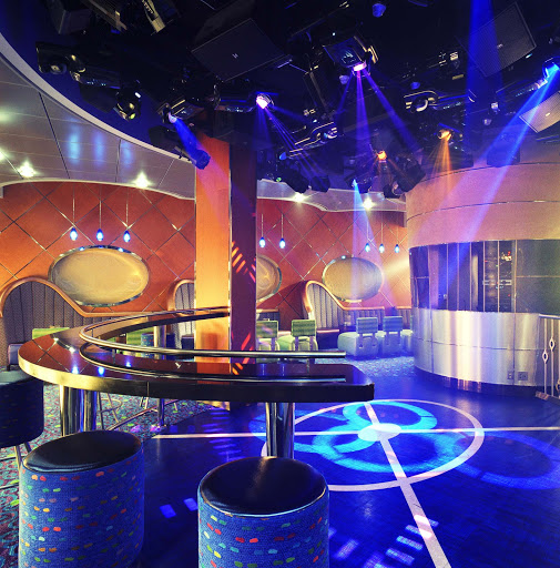 Enrichment-Entertainment-Pulse-Nightclub-on-Crystal-Serenity - Get into the action at Crystal Serenity's Pulse Nighclub, featuring live music and a dance floor.
