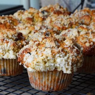 Lemon Poppy Seed Crumble Muffins