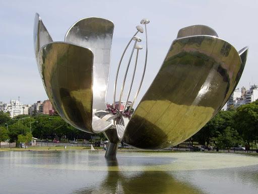 sculpture-Buenos-Aires - Floralis Genérica in Buenos Aires