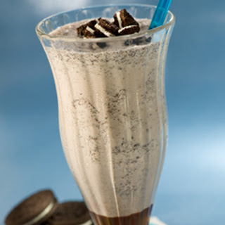 Cookies & Cream Banana Shakes.
