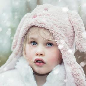 snow by Melissa Marie Gomersall - Babies & Children Child Portraits ( girl, cold, snow, cute, matt,  )