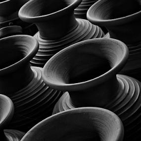 Urns by Mario Wibowo - Artistic Objects Furniture ( yogyakarta, 2014, trip, travel, tour, mwp )