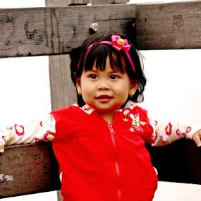 Cute smile by Wawan Adi - Babies & Children Child Portraits