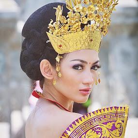Balinese Girl by Jiboy Mandey - People Portraits of Women ( bali, fashion, sli, indonesia, jiboy, traditional, beauty )