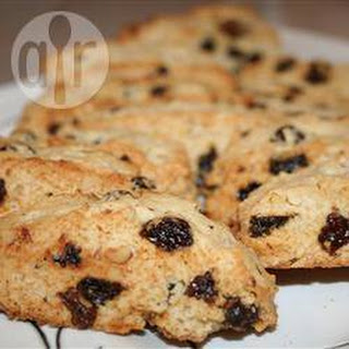 Easy Raisin Walnut Biscotti