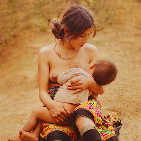Mother & son by Tuan Anh - People Portraits of Women ( tuananhphoto, web4vn. vietnam )