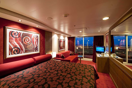MSC-Magnifica-suite - MSC Magnifica's suites feature rich colors and textures that fuse Old World elegance with a contemporary aesthetic.