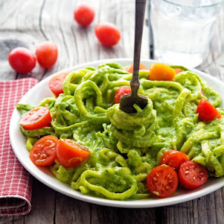 Creamy Avocado Pesto Zoodles.