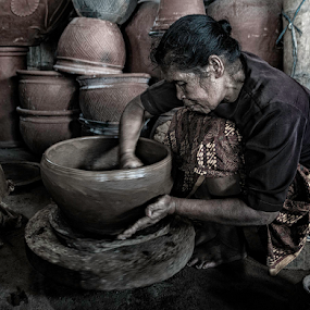 Works with Clay by Erry Subhan - People Street & Candids ( clay, vase, bowl, chinaware, tourism, earthenware, travel, tanah liat, yogyakarta, shard, kasongan, indonesia, pottery, asia, java, gerabah, handycraft, sherd, flowerpot )