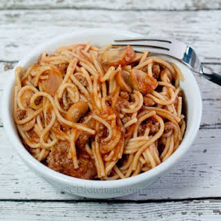 Easy Slow Cooker Ground Beef Spaghetti.