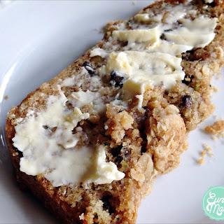 Zucchini Bread With Brown Sugar & Oats Crumble