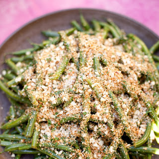 Lemony Green Beans With Almond Breadcrumbs