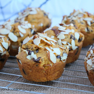 Pumpkin, Banana and Chocolate Muffin-Cake.