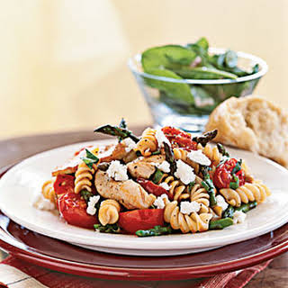 Rotini with Chicken, Asparagus, and Tomatoes.