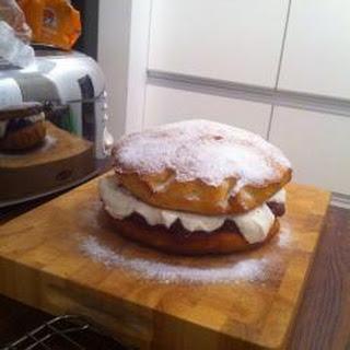 Easy classic Victoria sponge cake