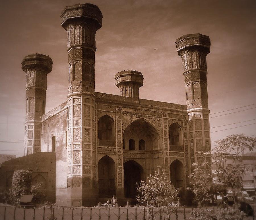 Chuburji, Lahore, Pakistan by Kashif Ghauri - Buildings & Architecture Public & Historical ( mughal arts, chuburji, history of lahore,  )