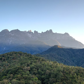 Sunrise of Mount Kinabalu by Wong Koh - Landscapes Mountains & Hills ( kundasang, sun rise, malaysia, kinabalu, sabah )