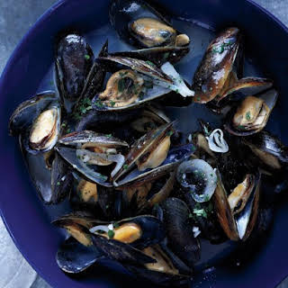 Mussels with White Wine and Butter.