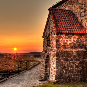 Old wall by Einar Bjaanes - Landscapes Sunsets & Sunrises ( old, hdr, sunset, street, wall )