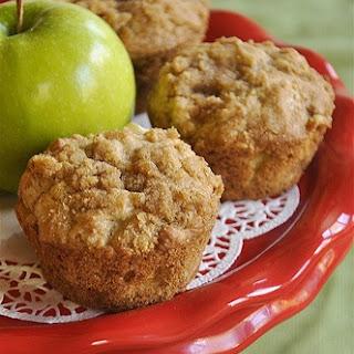 Apple Strudel Muffins}Muffin Monday