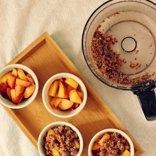 Raw Peach Crumbles Recipe