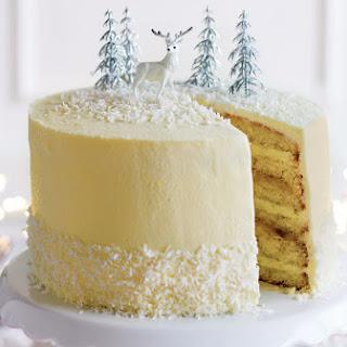 White Christmas limoncello cake