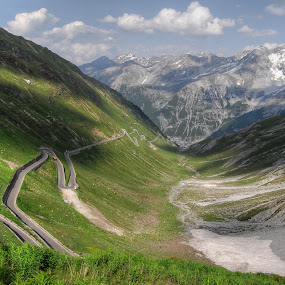 Stelvio (Italy) the twisted road by Fernando Ale - Landscapes Mountains & Hills ( mountains, street, europa, italy,  )